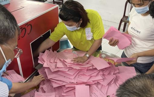 TPHCM: Các tổ bầu cử tiến hành mở, kiểm phiếu