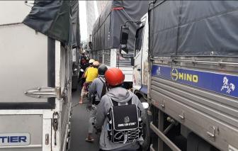 Tai nạn liên hoàn trên cầu Cần Thơ, kẹt xe kéo dài đến tận Vĩnh Long