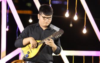 Chàng trai khiếm thị chơi 18 loại nhạc cụ: Đời chỉ một lần, phải sống thật vui