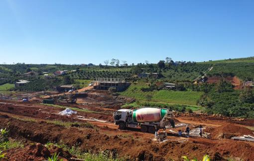 Đà Lạt phạt nặng phương tiện chở vật liệu cho công trình xây dựng không phép