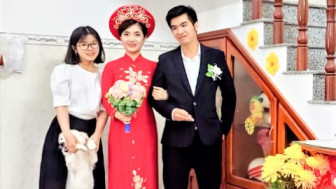 Đám cưới chỉ 3 người, hôn lễ chỉ 5 phút của nữ điều dưỡng ở TPHCM