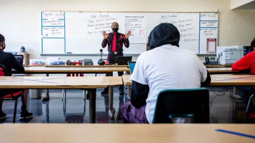 Dịch COVID-19 khiến Mỹ đối diện với làn sóng thiếu giáo viên trầm trọng