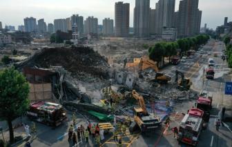 Tòa nhà đổ sập lên xe buýt đang dừng ở Hàn Quốc, ít nhất 9 người thiệt mạng