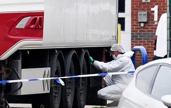 Ý bắt giữ một nghi phạm liên quan đến vụ 39 người Việt tử vong trong xe tải tại Anh