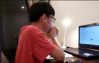 Trường đầu tiên thi trực tuyến để tuyển sinh: Phải tạm hoãn vì... nghẽn mạng