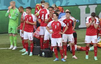 Khán giả như ngừng thở vì sự cố của tiền vệ Đan Mạch Christian Eriksen