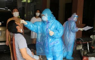 Người phụ nữ đi trên chuyến bay có người mắc COVID-19 dương tính với SARS-CoV-2
