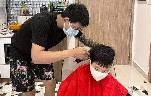 Nguy cơ lây lan dịch từ dịch vụ cắt tóc, làm đẹp tận nhà