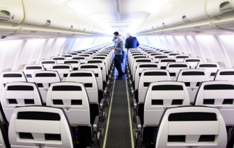 Mỹ: Khách đi máy bay không đeo khẩu trang có thể bị phạt hơn 15.000 USD