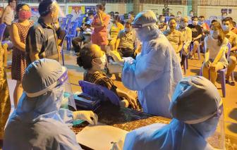 Xin test nhanh vì sốt cao lúc làm việc, nữ điều dưỡng dương tính với SARS-CoV-2