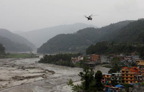 36 công nhân Trung Quốc và Ấn Độ thương vong vì lở đất và lũ quét