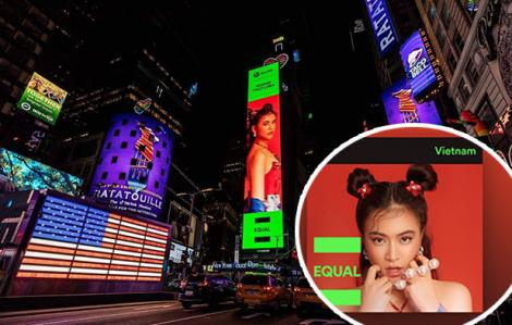 Ca sĩ Hoàng Thùy Linh xuất hiện trên banner ở Quảng trường Thời đại Mỹ
