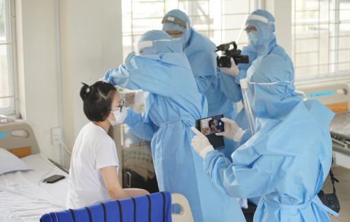 Sự cố phòng chống dịch, một phóng viên bị giữ lại Bệnh viện Điều trị COVID-19 Cần Giờ