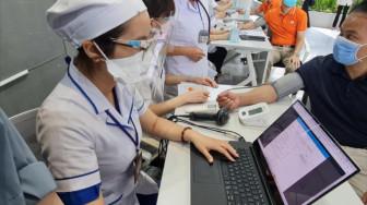 TPHCM triển khai tin nhắn nhắc người dân đi tiêm ngừa vắc-xin COVID-19