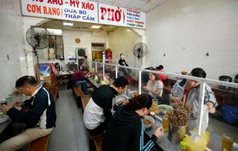 Hà Nội cho phép hàng ăn, quán cắt tóc hoạt động trở lại