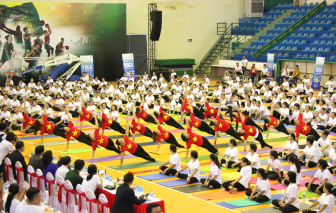 Tập yoga không chỉ khỏe mà còn an lành