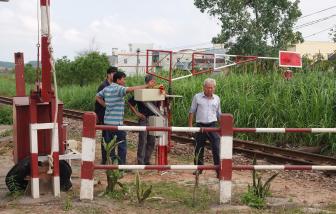 Vụ tai nạn đường sắt ở Quảng Ngãi làm bé trai 1 tuổi chết thảm: Khởi tố hai nhân viên đường sắt