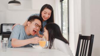"""Diễn đàn Hạnh phúc gia đình được xây bằng gì?: Đừng quên """"vắc xin hài hước"""""""