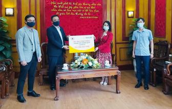 Sun Life Việt Nam đóng góp hơn 1,2 tỷ đồng vào công tác phòng, chống dịch COVID-19