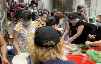 Tấm lòng của người tiểu thương chợ Thái Bình
