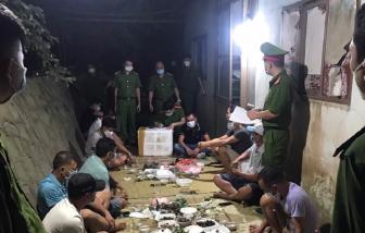 Tụ tập ăn uống, 11 người ở Bắc Giang bị phạt hơn 80 triệu đồng