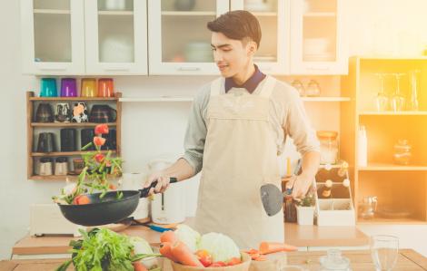 Chồng nấu ngon nhưng... hao