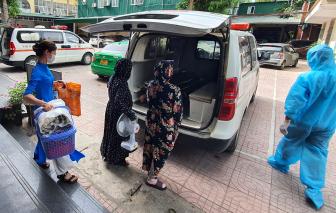 Bệnh nhân vào khu vực cách ly xã hội ở Nghệ An được xe cứu thương chở miễn phí