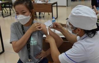 Bộ Y tế đề nghị TPHCM và 9 tỉnh thành đẩy nhanh tiêm vắc xin COVID-19