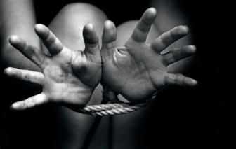 Truy tìm bé gái 14 tuổi mất tích, phát hiện thêm 5 bé gái khác bị bắt để buôn bán