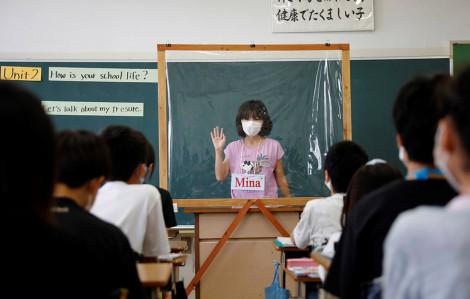 COVID-19 đẩy trường học đến lựa chọn: Thay đổi hay là chết