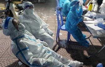 Nhân viên lấy mẫu có thể mặc loại bảo hộ mới để chống nóng