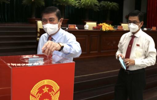 Ông Nguyễn Thành Phong tái đắc cử chức Chủ tịch UBND TPHCM