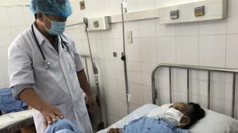 Đau hông trái nhiều ngày, nhập viện cấp cứu mới biết vỡ động mạch thắt lưng
