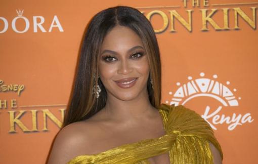 Dòng sản phẩm đồ bơi mới của Beyoncé bị chỉ trích