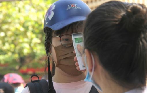 Hơn 8.000 người phục vụ thi tốt nghiệp THPT ở Nghệ An phải xét nghiệm COVID-19 nhanh