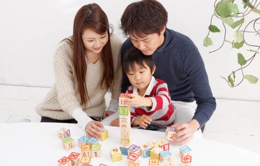 Cha mẹ là  chuyên gia ngôn ngữ của con mình