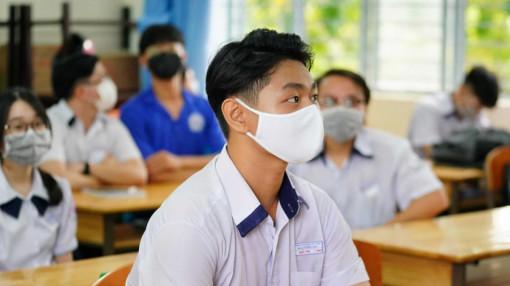 """Nóng: Thí sinh đăng ký dự thi tại TPHCM đang ở tỉnh có thể thi """"tại chỗ"""""""