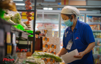 Đi siêu thị mùa dịch, khách không cần vào siêu thị
