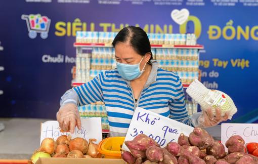 Người dân TPHCM hồ hởi trở lại siêu thị 0 đồng