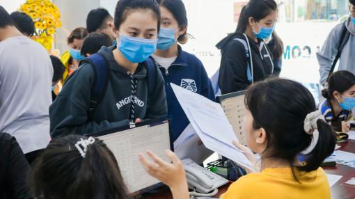 Nhiều đại học giảm học phí, tăng học bổng cho sinh viên bị ảnh hưởng dịch