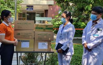Hội LHPN TPHCM thăm các khu cách ly, bệnh viện dã chiến, bệnh viện điều trị COVID-19