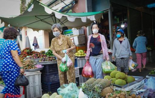 3 chợ truyền thống ở TPHCM được mở lại, có chợ chỉ 6 tiểu thương