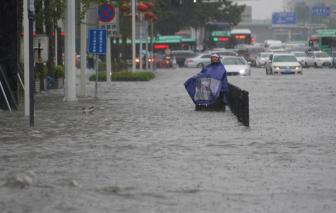 """Ít nhất 16 người thiệt mạng trong trận mưa lũ """"ngàn năm có một"""" tại Trung Quốc"""