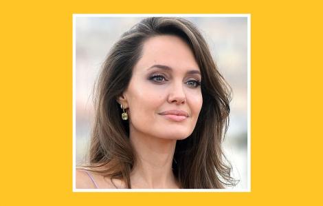 Angelina Jolie dưỡng da tối giản, đẹp rạng rỡ ở tuổi U50