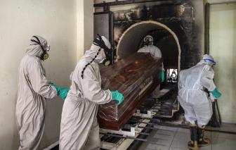 Người chết vì COVID-19 quá nhiều, chi phí hỏa táng ở Indonesia tăng chóng mặt
