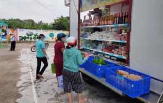 """""""Siêu thị mini lưu động"""" hỗ trợ nhu cầu mua sắm của người dân huyện Nhà Bè"""