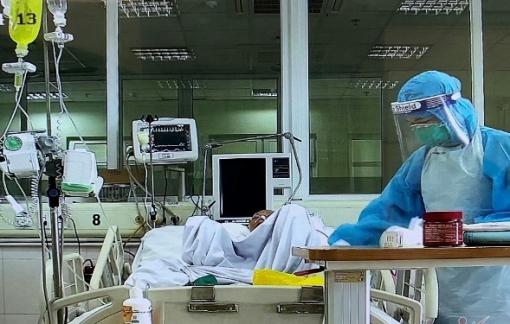 TPHCM đề xuất Trung ương hỗ trợ 5.000 y, bác sĩ hỗ trợ phòng, chống dịch COVID-19