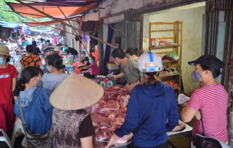 Bí thư Thành ủy Hà Nội: khi cần, sẽ dùng xe quân sự, trực thăng để chuyển thuốc men, thực phẩm…