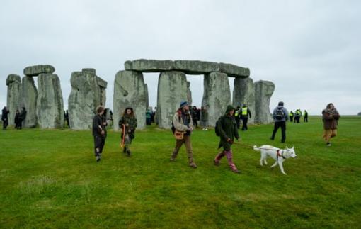 Tại sao Stonehenge có thể bị tước danh hiệu di sản thế giới?