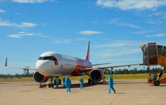 Cận cảnh 238 công dân Huế từ Thành phố Hồ Chí Minh về đến sân bay Phú Bài